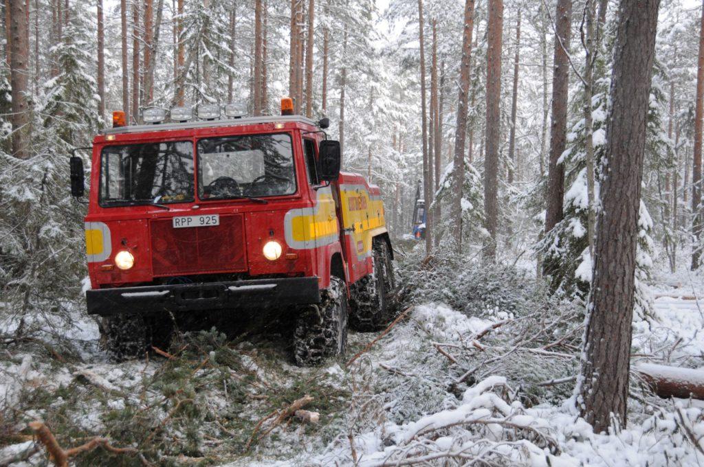 Assistancekåren Västra Mälardalen terrängbärgning med TGB40.