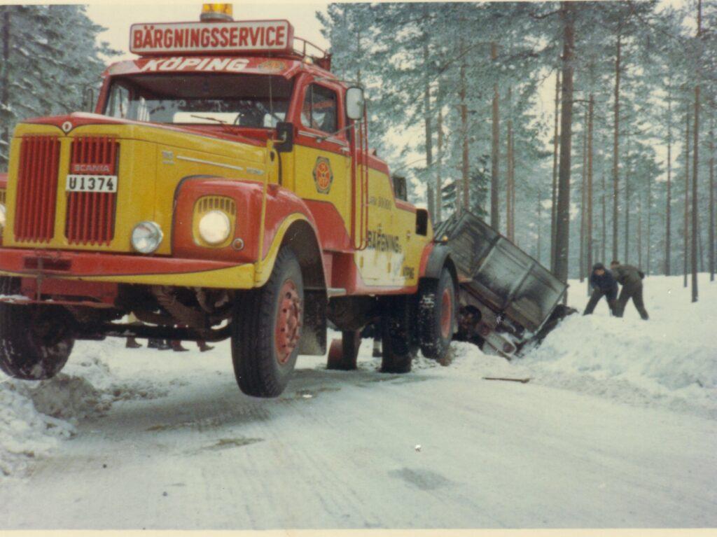 Tung bärgning med Scania 110